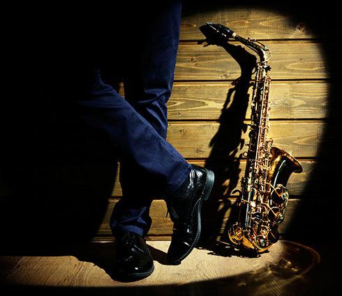 Explore the colors of saxophone